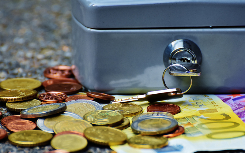 MONEY : THE SURVIVING FORCE OF LIFE. ATTRACT MORE MONEY WITH THE 3 KEY STAGES TO MONEY MAGICK & KEY MONEY BOOSTERS